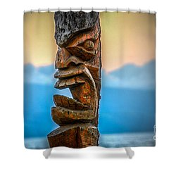Shower Curtain featuring the photograph Ka'anapali Tiki by Kelly Wade