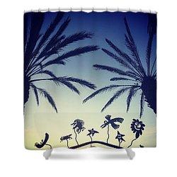 Kalifornia Shower Curtain