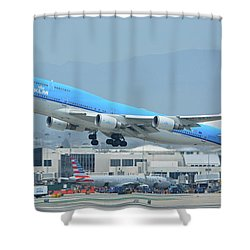 Shower Curtain featuring the photograph Klm Boeing 747-406m Ph-bfh Los Angeles International Airport May 3 2016 by Brian Lockett