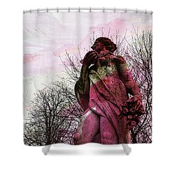 'la Terre' En Rose Shower Curtain