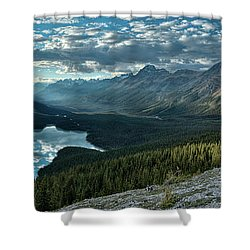 Shower Curtain featuring the photograph Last Rays Of Light Over Peyto Lake by Sebastien Coursol
