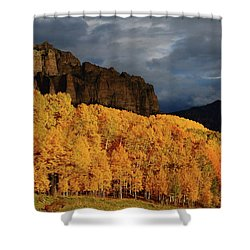 Late Afternoon Light On The Cliffs Near Silver Jack Reservoir In Autumn Shower Curtain