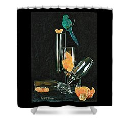 Le Perroquet Vert Shower Curtain