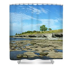 Shower Curtain featuring the photograph Limestone Coast Patterns by Kennerth and Birgitta Kullman
