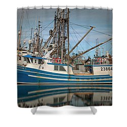 Shower Curtain featuring the photograph Lofoten 2 by Randy Hall