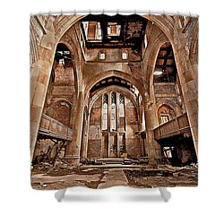 Shower Curtain featuring the photograph Majestic Ruins by Suzanne Stout