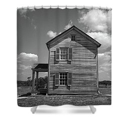 Shower Curtain featuring the photograph Manassas Civil War Battlefield Farmhouse Bw by Frank Romeo