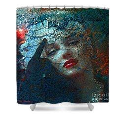 Marilyn Str. 1 Shower Curtain