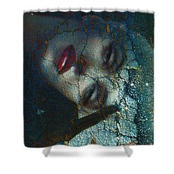 Marilyn Str.3 Shower Curtain