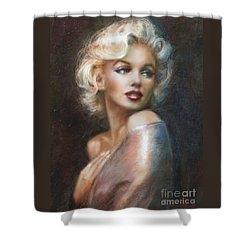 Marilyn Ww Soft Shower Curtain