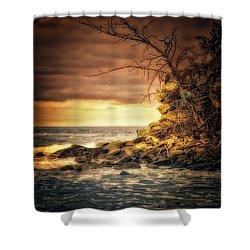 Maui Ocean Point Shower Curtain