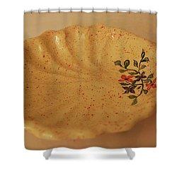 Medium Shell Plate Shower Curtain