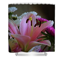Middle Lily Shower Curtain