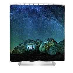 Shower Curtain featuring the photograph Milky Way by Okan YILMAZ