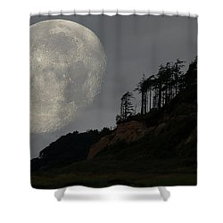 Moon At Roosevelt Beach Wa Shower Curtain