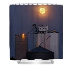 Moonrise At Laird -02 Shower Curtain