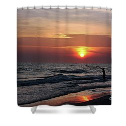 Net Casting Shower Curtain