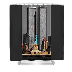 New York 911 Memory - Twin Towers And Statue Of Liberty Shower Curtain