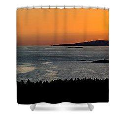 Neys Horizon Shower Curtain