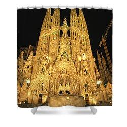 Night View Of Antoni Gaudis La Sagrada Shower Curtain by Richard Nowitz
