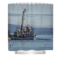 Nita Dawn Closing Shower Curtain