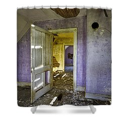 Old House 2 Shower Curtain