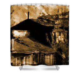 Shower Curtain featuring the photograph Old Istanbul by Dariusz Gudowicz