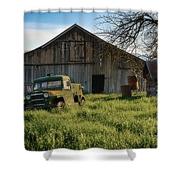 Old Jeep, Old Barn Shower Curtain