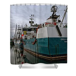 Shower Curtain featuring the photograph Orca Warrior by Randy Hall