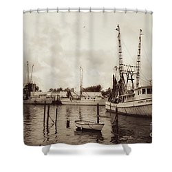 Shower Curtain featuring the photograph Oriental Harbor by Benanne Stiens