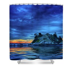 Shower Curtain featuring the photograph Pacific Sunset by John Poon