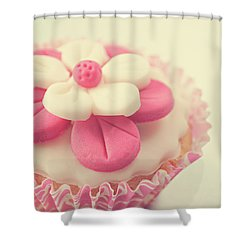 Shower Curtain featuring the photograph Pink Cupcake by Lyn Randle
