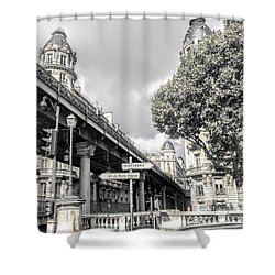 Pont De Bir-hakeim, Paris, France Shower Curtain