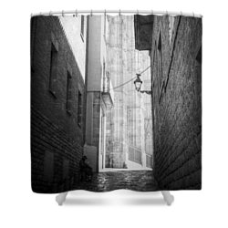 Quiet Moment Near Barcelona Cathedral, B/w Shower Curtain by Valerie Reeves