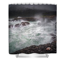 Shower Curtain featuring the photograph Raging Waves On The Oregon Coast by William Lee