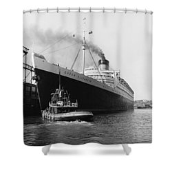 Rms Queen Elizabeth Shower Curtain by Dick Hanley and Photo Researchers