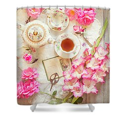 Roses And Gladiolas With Vintage Tea Pot And Cups Shower Curtain