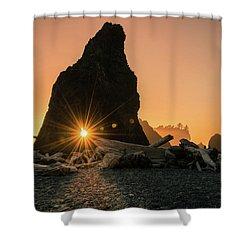 Ruby Beach - Starburst Arch Shower Curtain