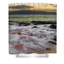 Running Wave At Keawakapu Beach Shower Curtain