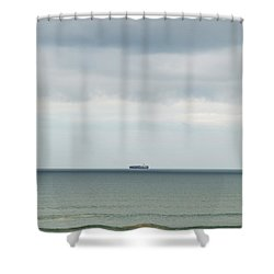 Shower Curtain featuring the photograph Sailing The Horizon by Linda Lees