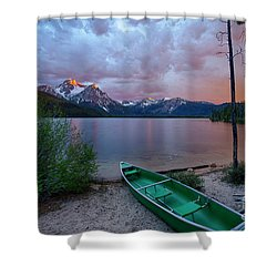 Sawtooth Paddle Shower Curtain