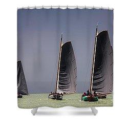 Skutsje Wedstrijd Voor De Wind Shower Curtain