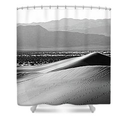Shower Curtain featuring the photograph Smooth by Suzanne Oesterling