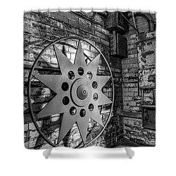Star Wheel Shower Curtain