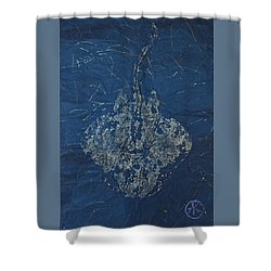 Stingray - Skate  Shower Curtain