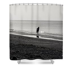 Stooping Shower Curtain