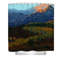 Sunrise At Dallas Divide During Autumn Shower Curtain