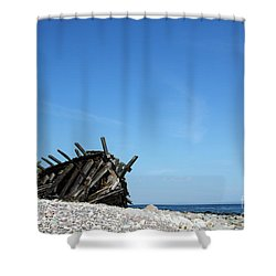 Shower Curtain featuring the photograph The Final Rest by Kennerth and Birgitta Kullman