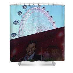 Shower Curtain featuring the photograph The Orlando Eye by Chris Mercer