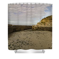 Shower Curtain featuring the photograph Tide Out Portreath by Brian Roscorla